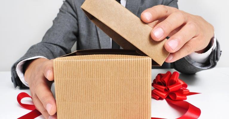 Los peores regalos de navidad para tus empleados