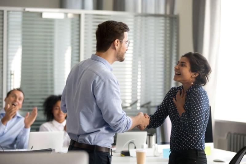 incrementar-el-salario-para-impulsar-motivacion-productividad