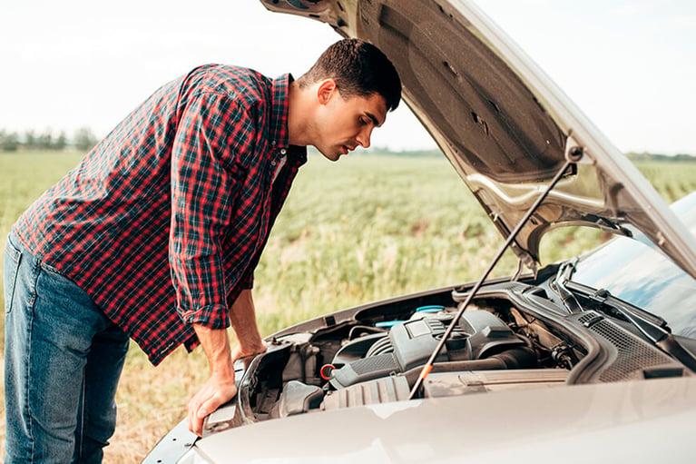 La importancia de revisar tu auto antes de salir a carretera