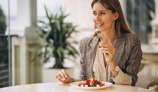 ¿Cómo impacta la alimentación en el desempeño laboral?