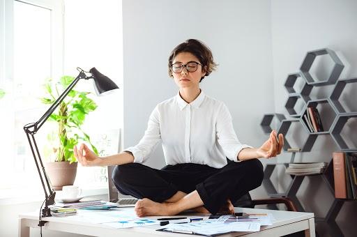 beneficios-del-mindfulness-en-el-trabajo 1