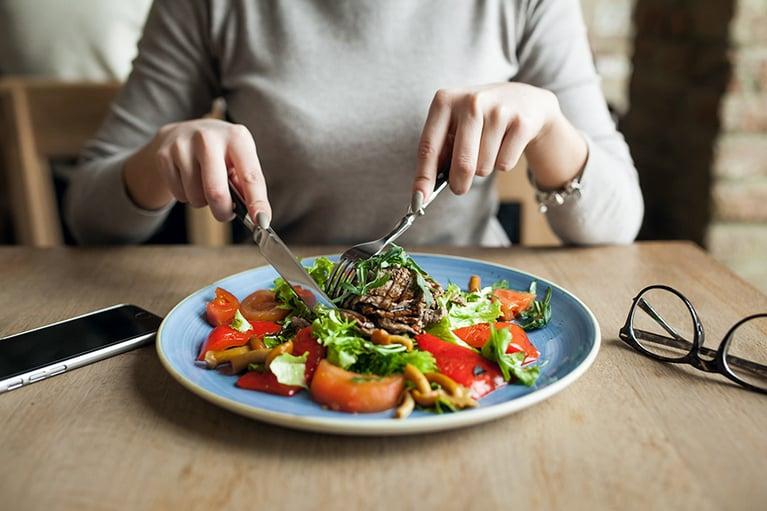 5 beneficios laborales de comer saludable