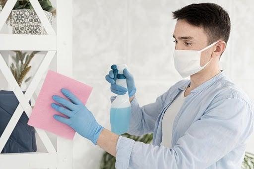 desinfectar-area-de-trabajo-y-objetos 5