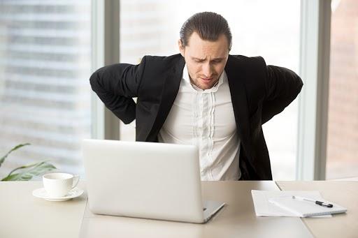 evitar-dolor-por-estar-demasiado-tiempo-en-computadora otro 2