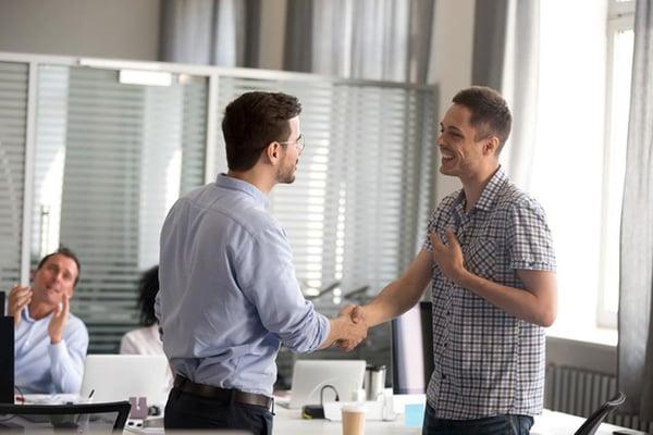incentivos-laborales-para-motivar-a-tus-empleados 1