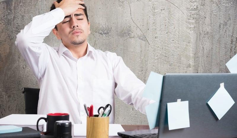 prevenir-dolor-de-cabeza-en-el-trabajo